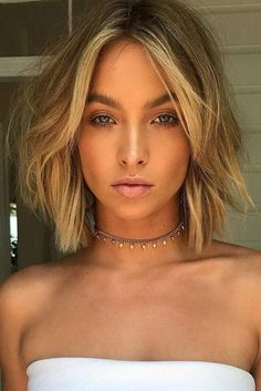 18 Chic Short Haircuts Ideas for Trendy Women ★ Short Bob Hairstyle for Romant. - Short Hairstyles and Short Haircuts for Short Hair Cuts For Round Faces, Round Face Haircuts, Blonde Short Hair Cuts, Hair Cuts Short Layers, Round Face Bob, Layered Short Hair, Bob Hair Cuts, Balyage Short Hair, Short Hair Cuts For Women Bob