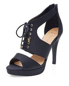 Chaussures noires Wide Fit à talons et lacets avec découpes   New Look  Chaussures Noires, 36b212fdd807