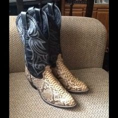 """Selling this """"VINTAGE PYTHON SNAKESKIN WESTERN COWBOY BOOTS 8.5"""" in my Poshmark closet! My username is: backbend31. #shopmycloset #poshmark #fashion #shopping #style #forsale #Boots"""