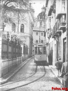Malaga, Granada Andalucia, Old Pictures, Beautiful Places, Barcelona, To Go, Street View, Black And White, History