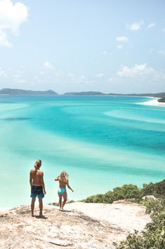 Sailing the Whitsundays, Australia. Visit Whitehaven Beach and sail around the Whitsunday Island on a 2 day, 2 night sailing tour! SAVE 10% by using RATPACK10 at the checkout. Photo by Wheres Mollie