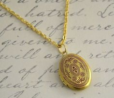 Red Gold Locket @Pascale De Groof