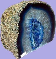 Agata azul geoda