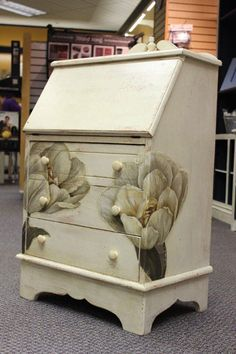 Old White over Barcelona Orange and distressed.Tulip Desk done with Chalk Paint® decorative paint by Annie Sloan Decoupage Furniture, Chalk Paint Furniture, Hand Painted Furniture, Repurposed Furniture, Diy Furniture, Furniture Projects, White Chalk Paint, Annie Sloan Chalk Paint, My Home Design