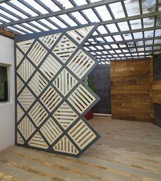 Living Room Partition Design, Room Partition Designs, Metal Room Divider, Diy Room Divider, Drawing Room Interior Design, Home Interior Design, Sliding Door Window Treatments, Screen House, Wall Exterior
