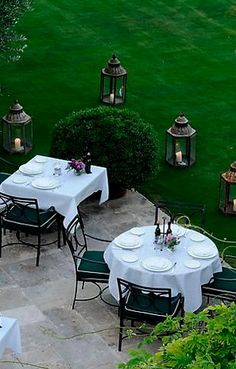 Outdoor Dining Outdoor Dining, Outdoor Tables, Outdoor Spaces, Outdoor Decor, Fresco, Lawn And Garden, Home And Garden, Cool Tables, Outdoor Entertaining