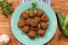Today I am sharing with you my zucchini meatballs recipe! These are an alternative to regular meatballs, replacing the meat with zucchini to create zucchini meatballs. Soup Recipes, Dog Food Recipes, Cooking Recipes, Healthy Recipes, Cooking Videos, Healthy Food, Zucchini Meatballs, Meatless Meatballs, Hello Everybody