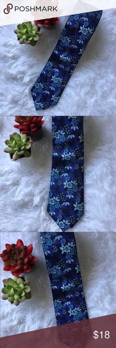 Just In New Men's Modern Blue Floral Tie  New Beautiful Navy Blue Floral tie. Accessories Ties