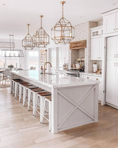 Niña Williams Blog chose 3 of the Morris pendants by Visual Comfort to accommodate that extra-large island. Hidden Pantry, Decoration Bedroom, Country Interior, White Kitchen Cabinets, Visual Comfort, Beautiful Kitchens, Dream Kitchens, Home Design, Farmhouse Decor