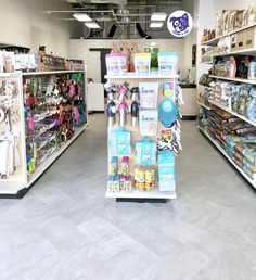 At Hound & Cat we are proud to offer a highly curated selection of only the best & most on trend natural dog and cat foods, treats, supplies and supplements. If we wouldn't give it to our pets, you won't find it here.  #houndandcat #houndandcatpetsupplies #houndandcatutah #dogwash #dogsofutah #dogsofut #petsupplies #shoplocal #utahpets #catsofutah #dogboutique #dogfriendly #doglife #dogwash #diydogwash #selfservedogwash #selfservicedogwash #shopsmall #supportsmallbusiness #supportlocal…
