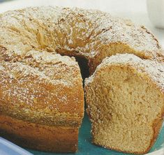 Receita de Bolo de Mel e Canela -Um bolo ideal para levar para um piquenique, só a mistura do mel e da canela, são capazes de lhe oferecer um sabor único. Veja como fazer estareceita de Bolo de Mel e Canelade forma simples e apetitosa! Confira a nossa receita e deixe-nos a sua opinião.