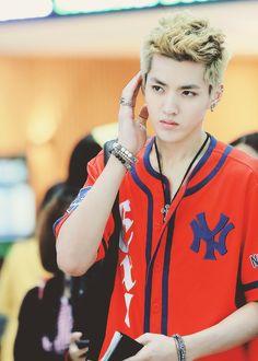 Kris EXO M Duizhang #Airport