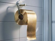 I 15 oggetti di uso quotidiano più costosi al mondo. Carta igienica d'oro: un rotolo da 22 carati al prezzo di un milione di euro circa.