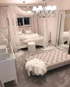These bedroom ideas will look great and provide you with the relaxing haven that you need. Read more to discover bedroom decorating ideas that are sure to inspire you… inspo Cozy Home Decorating Ideas for Girls' Bedrooms Girl Bedroom Designs, Room Ideas Bedroom, Bedroom Inspo, Home Bedroom, Dream Bedroom, Design Bedroom, Bedroom Interiors, Bed Design, Kids Bedroom