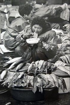 Photo by Choi Min-shik Old Pictures, Old Photos, Vintage Photos, Time In Korea, Korean People, Documentary Photographers, Korean Art, Korean Traditional, The Old Days