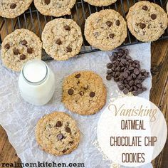 Vanishing Oatmeal Chocolate Chip Cookies | realmomkitchen.com