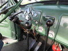 Back before they invented automated manuals with dash displays, driver had to remember which gear they were in. Old Mack Trucks, Big Rig Trucks, Cool Trucks, Pickup Trucks, Semi Trucks, Dually Trucks, Antique Trucks, Vintage Trucks, Locomotive