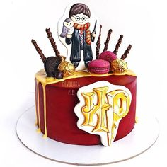 Garri Potter, Birthday Cake, Desserts, Food, Tailgate Desserts, Deserts, Birthday Cakes, Essen, Postres