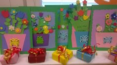 Äiti- Olet Rakas! paljastuu monesta kukkaruukusta. 1-2 kortteja omalla kädellä ja pikkurasiat avaimenperähelmillä valmiina matkaamaan äideille...(Alkuopettajat FB -sivustosta / Marita Vanhanen)