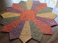 Prim Nest: Fall Dresden Plate Table Topper beautiful fall colors - no pattern Dresden Plate Patterns, Table Topper Patterns, Quilted Table Toppers, Quilt Patterns, Free Motion Quilting, Quilting Tips, Quilting Projects, Quilting Designs, Dresden Quilt