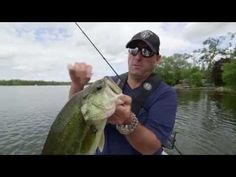 How to Rig a Jackall Cover Craw - Dave Mercer's Facts o Fishing THE SHOW - YouTube