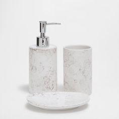 Аксессуары для ванной из керамики с эффектом мрамора