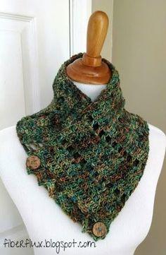 Fiber Flux ... Aventuras na costura: Livre Crochet Pattern ... Botão Fada Terra Cowl!