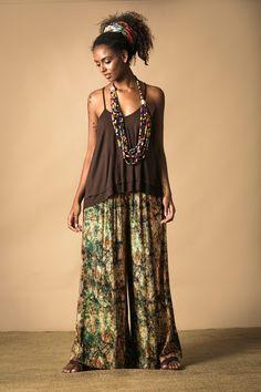 Calça Pantalona com Estampa de Batik Digital - Novidades