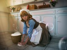 This Cinderella cosplay is amazing !!! I think I'm in love... #cinderella #cosplay