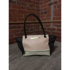 Steve Madden shoulder bag Pink and Gray Steve Madden shoulder bag. Outside zipper compartment as well as one inside. Two extra pockets in inner interior. Steve Madden Bags Shoulder Bags