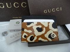 Gucci Interlocking GG Logo Leather Card Holder Case Mini Wallet. Get the lowest price on Gucci Interlocking GG Logo Leather Card Holder Case Mini Wallet and other fabulous designer clothing and accessories! Shop Tradesy now