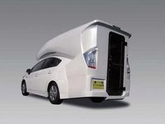 Insolite : Toyota Prius Camper, elle a mis son sac à dos