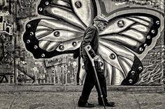 arte di strada e fotografia unite da un sublime tempismo