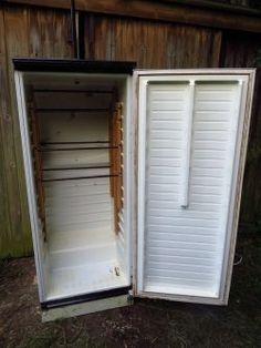 How to turn an old refrigerator into a cold smoker