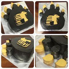 West High Golden Bears Graduation Cake. (Sugar cookie claws)