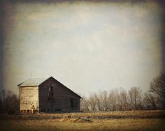 Southern Landscape Photograph with Barn