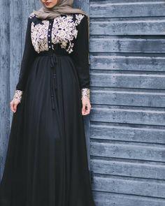 Thankyou @muhmin_london for this beautiful abaya. I love it!  Product detail: Faiza embroidered abaya (Gold) #ootd #abaya #hijabfashion