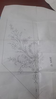 Border Embroidery Designs, Embroidery Motifs, Bordados E Cia, Rococo, Printables, Drawings, Crochet, Embroidery Ideas, Embroidery Patterns