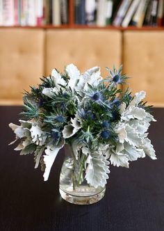 ideas for wedding winter silver dusty miller Sunflower Centerpieces, Blue Centerpieces, Wedding Table Centerpieces, Wedding Decorations, Centerpiece Ideas, Table Decorations, Winter Bouquet, Winter Flowers, Bridesmaid Flowers