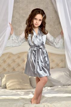 Gray junior bridesmaid robe with lace sleeves Flower girl robe Satin lace robe girl Flower girl favor Mother daughter gift Matching robes Cute Little Girl Dresses, Cute Girl Outfits, Girls Dresses, Gowns For Girls, Preteen Girls Fashion, Girl Fashion, Flower Girl Robes, Lace Flower Girls, Flower Girl Gifts