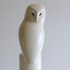 Anthony Theakston Ceramics - Turnaround Owl. Soon I will hopefully have my own lovely.