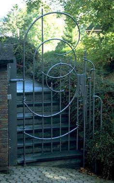 Entrance Gate Nigel Tudor, Metalsmith Blacksmith Tudor Ironworks Hand forged wrought iron fence and gates