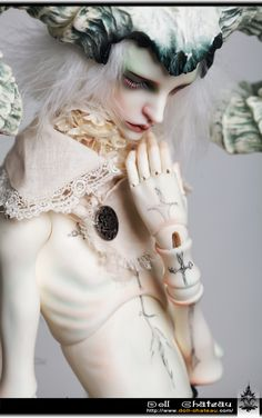 Doll Chateau - Do I even need to say how awesome this doll is? Doll Chateau is my heart. #bjd #Doll-Chateau