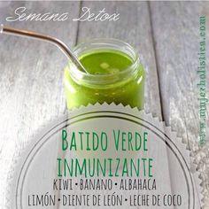 Batido verde inmunizante Una vacuna natural en un batido! Ingredientes: 1 kiwi 1 taza de diente de león el jugo de 1/2 limón 3 hojas de albahaca 1 banano 1taza de leche de coco