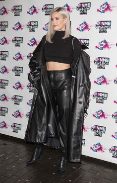 Anne-Marie Nicholson at NME Awards 2018 at the Academy Brixton London Hollywood Celebrities, Hollywood Actor, Anne Marie Album, Anne Maria, Singer Songwriter, Best Photo Poses, London, Black Crop Tops, Fashion Outfits