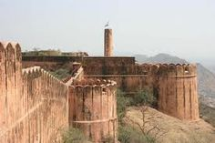 Nestled between the Nahargarh hills, Nahargarh Fort was built by Sawai Raja Jai Singh in 1734. The fort is one of the major tourist attractions of the city.Nahargarh Fort also known as the tiger fort has a legend related to it.