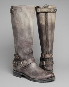 Oooooo.... LOVE the color of these Frye boots!!   Would love to own a pair!