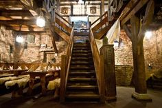 Taverna Medieval, Dungeon Room, Medieval Fantasy, Inspired Homes, Fantasy World, Middle Ages, Tudor, Beautiful Homes, Castle