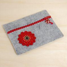 Sacchetto della chiusura lampo di feltro di lana - grigio ricamato su a mano fiore rosso & nero