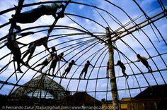 Construção de habitação Indígena.  Foto: Fernando Zarur